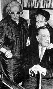 Jorge Luis Borges y su madre junto a Victoria Ocampo
