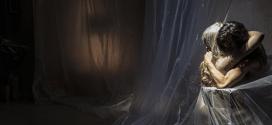 Moeder (Madre), de Peeping Tom. Terror maternal, el museo de los horrores.