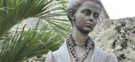Estatua de Salomé Ureña